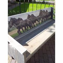 Tuinbank model Paarden