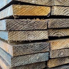 Plank (Gecreosoteerd) - 2,2 x 10 x 450 CM