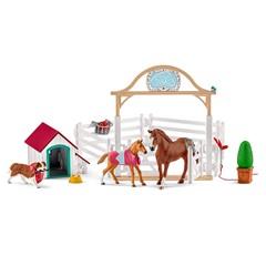 Schleich 42458 - Hanna`s Paarden Gastenverblijf Met Hondenhok